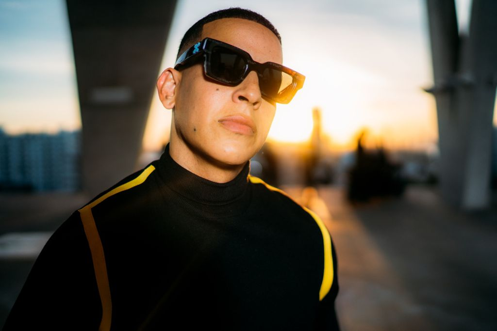Problema (Versión Facebook) – Daddy Yankee